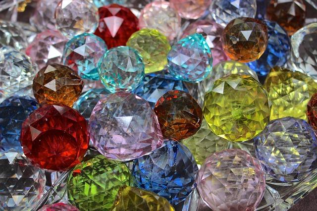 Cosa sono i mezzi cristalli